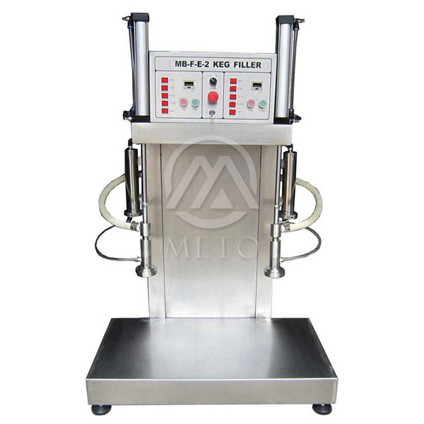 The machine is totally built in stainless steel AISI 304.